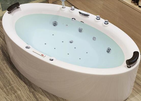 衛生間裝浴缸的利弊?先看看別等裝了再后悔!2